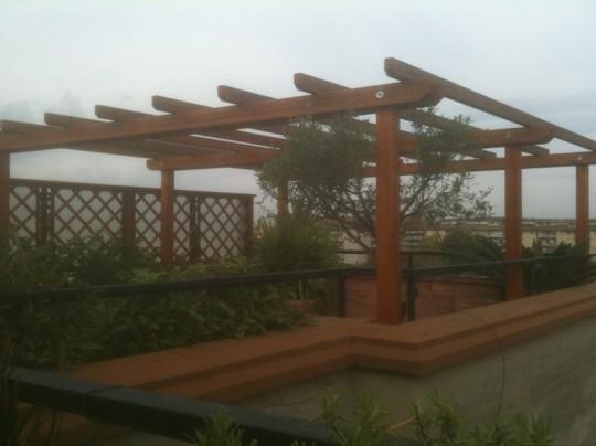 Pergotenda grigliati in legno mobili da giardino - Pergolati in legno autoportanti ...